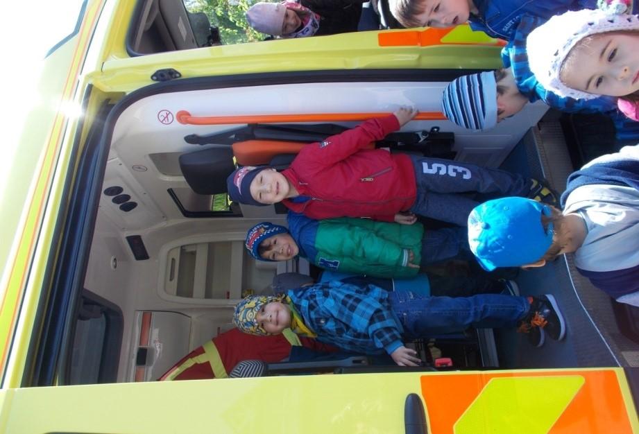 ovi-mentők napja2