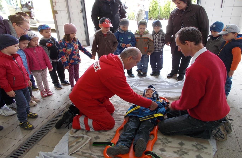 ovi-mentők napja8