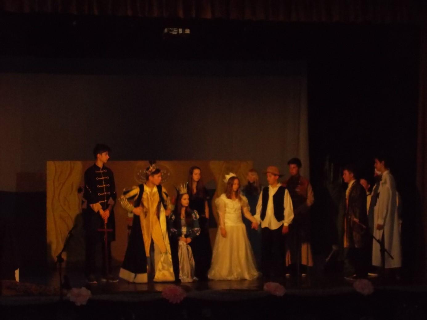 színház2