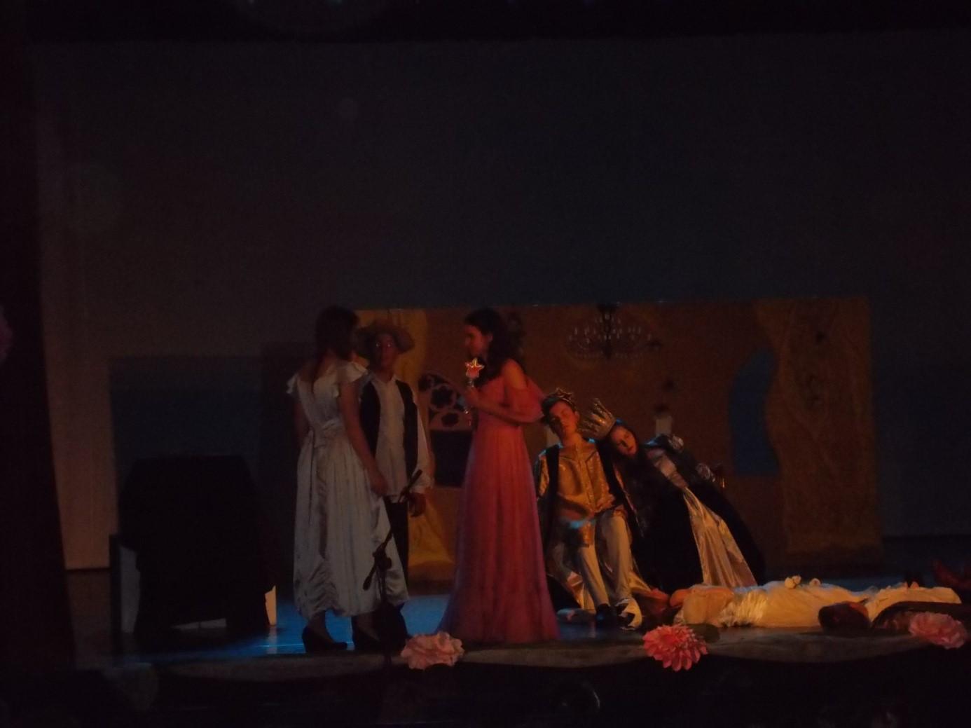 színház3
