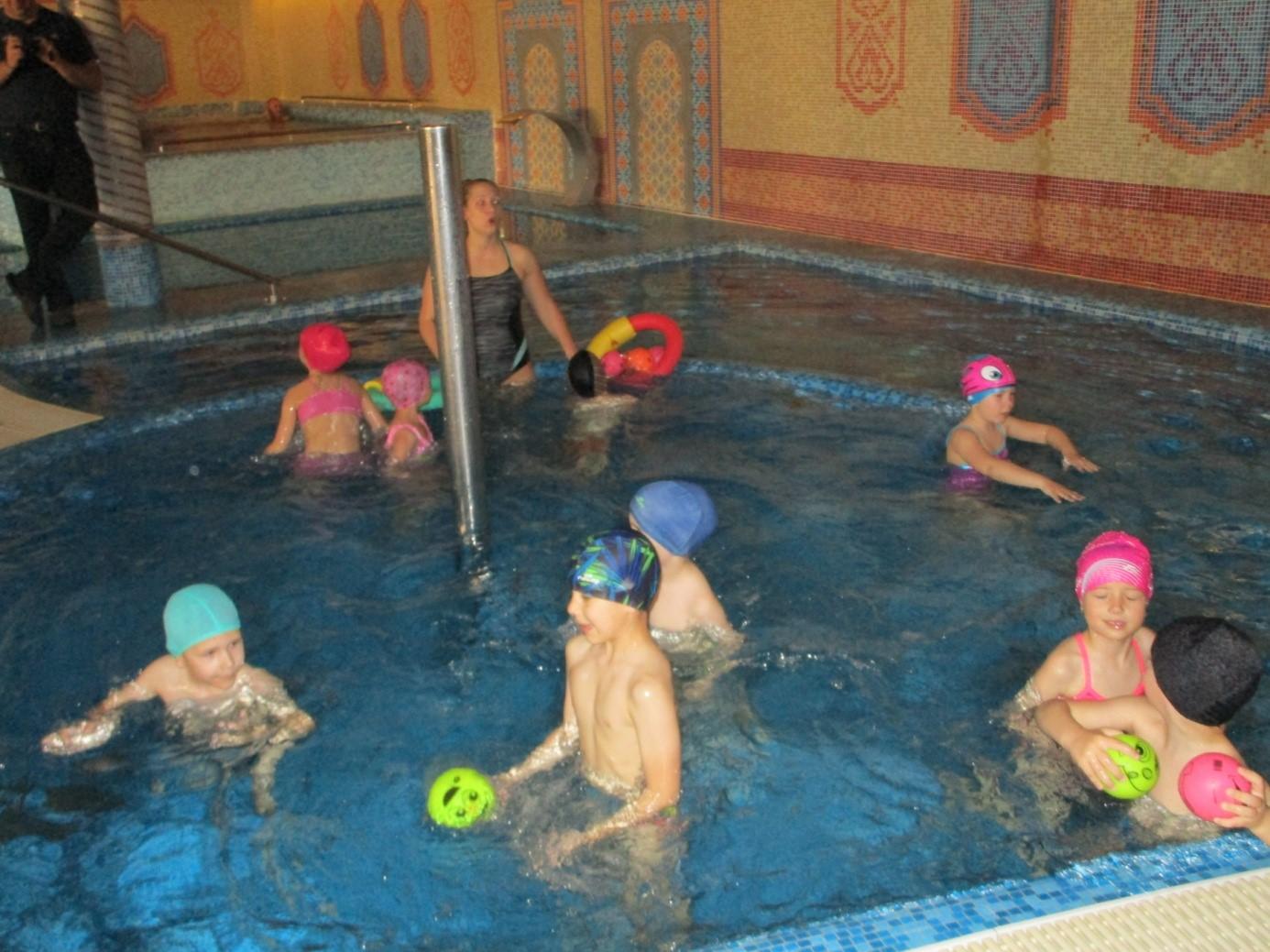 ovi-swimming2